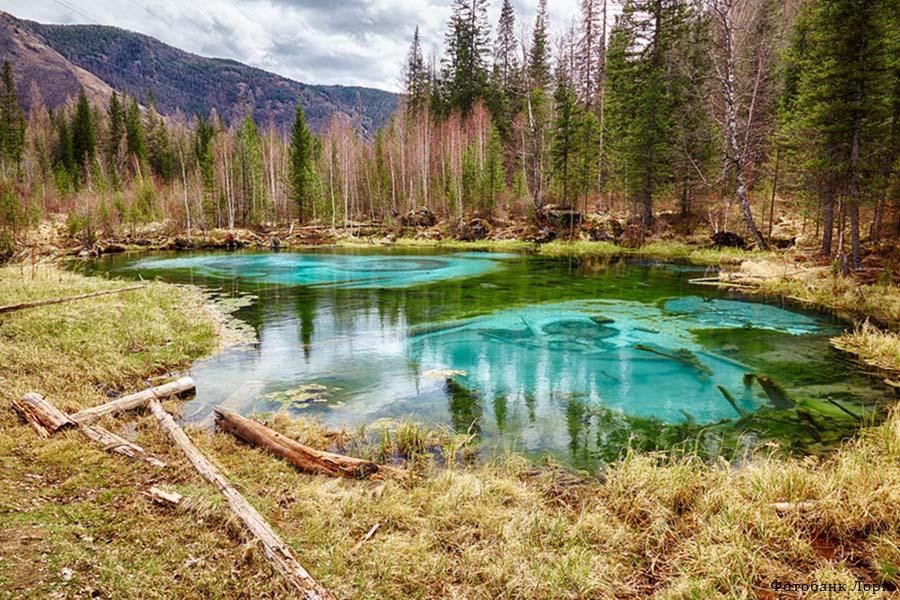Гейзеровое (голубое) озеро