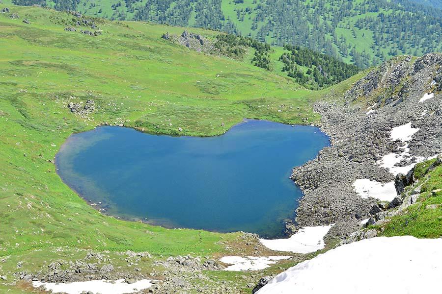 Озеро Манас