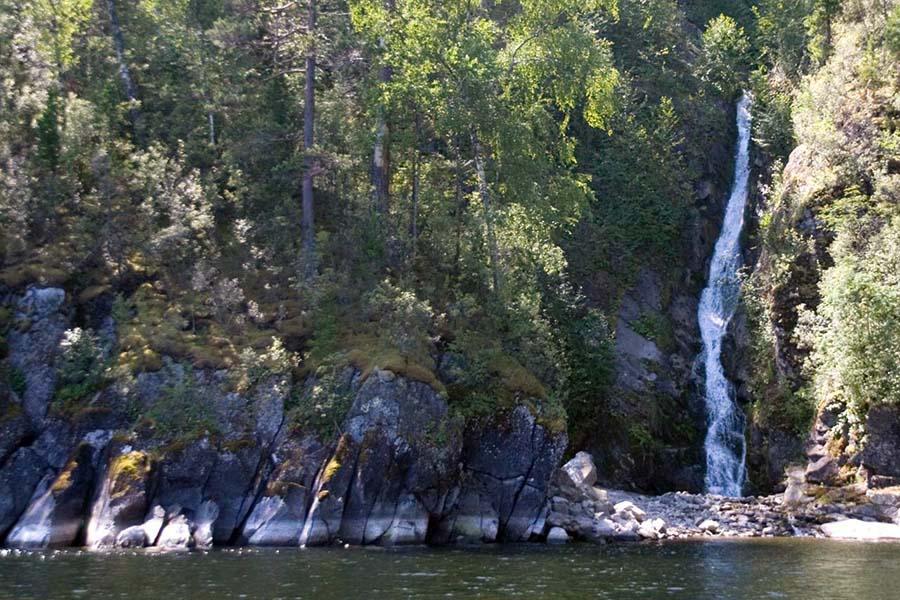 Водопад Сорок грехов