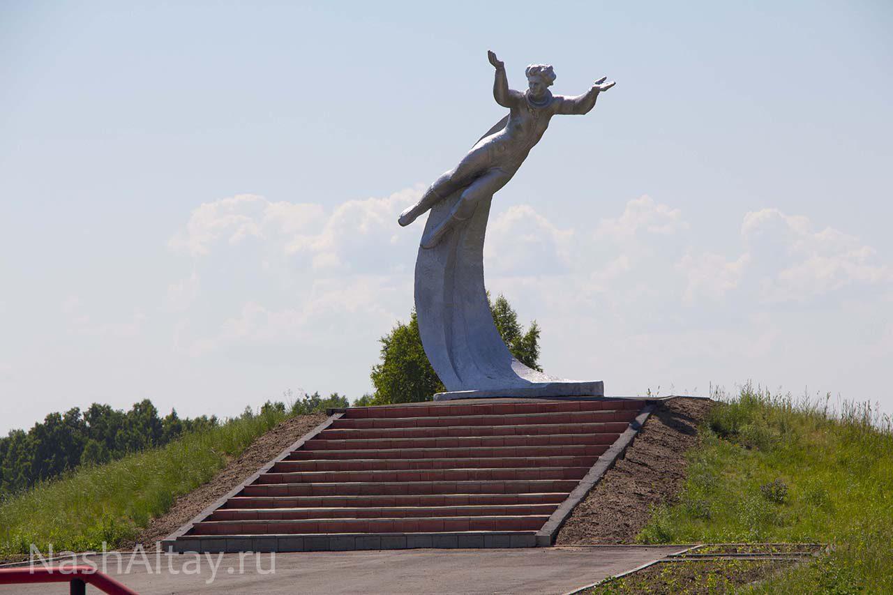 Памятник В. В. Терешковой